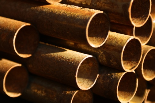 Differences Between Black Pipe & Cast Iron Pipe