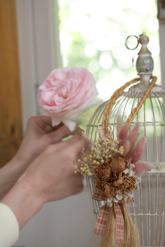 how to preserve live flowers