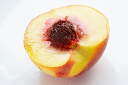 How to Plant a Peach Seed From the Grocery Store