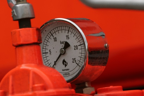 How to Set the Pressure for a Water Bladder Tank