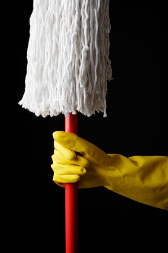 How to Clean a Cotton Mop Head