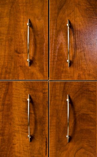 The Best Granite Color for Oak Cabinets
