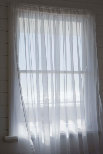 How to Whiten Window Sheers