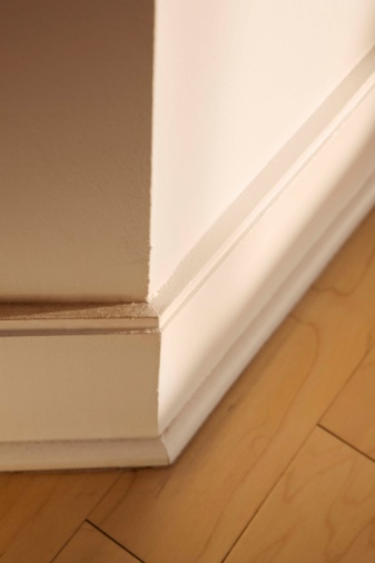 How to Remove Baseboards From Plaster Walls