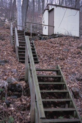 How to build steps on a steep hill side hunker for Steps to building a new home