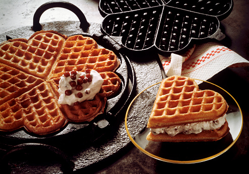 How to Clean Built-Up Oil on a Waffle Maker
