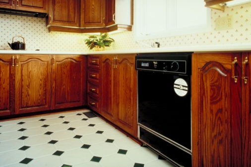 What Kind of Floor Can You Lay Over Linoleum?