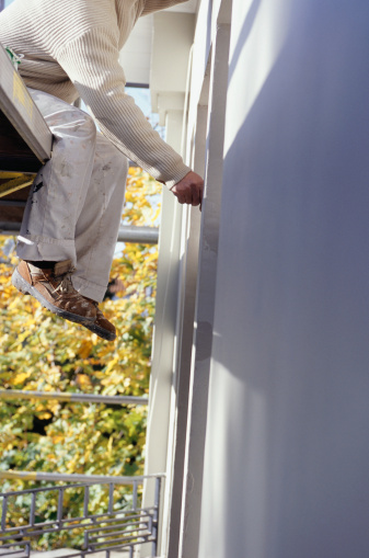 How to Repaint Aluminum Window Frames