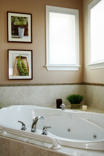 How to Super Clean your Spa Bath Tub