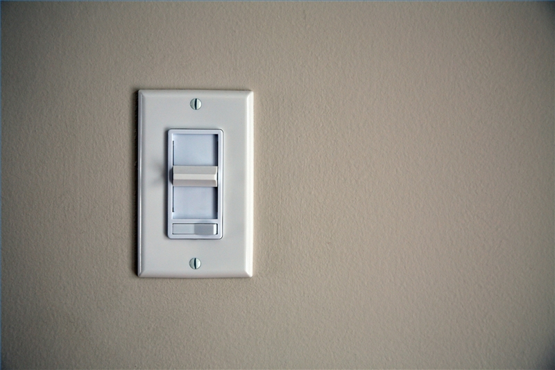 how to fix a buzzing dimmer light with pictures ehow. Black Bedroom Furniture Sets. Home Design Ideas