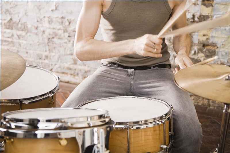 how to decorate a bedroom for a drummer ehow
