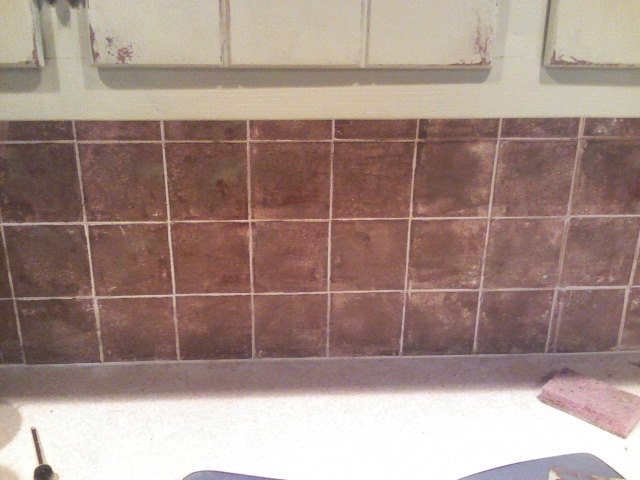 How to paint a kitchen tile backsplash ehow Painting ceramic tile backsplash