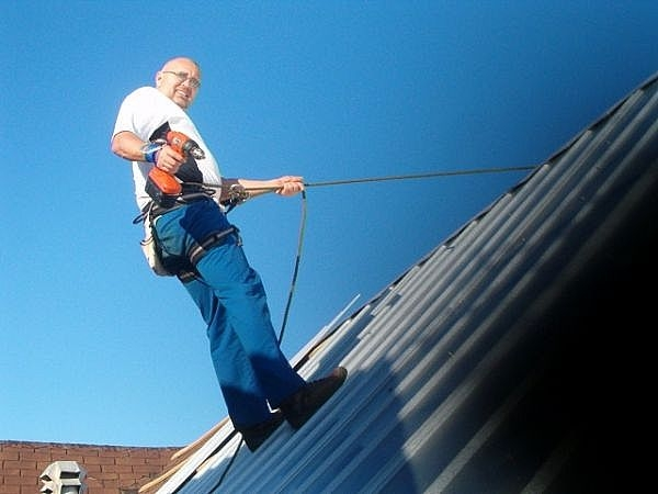 Tips For Working On Steep Metal Roofs Ehow