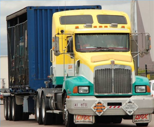 Tractor Trailer Clutches : How to hook up tractor trailer doubles ehow