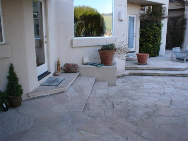 how to make flagstone with concrete