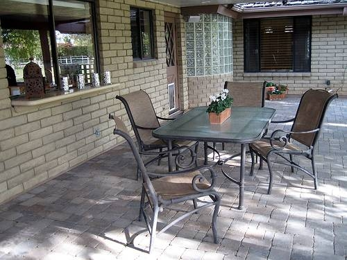 How To Repaint A Concrete Patio Ehow