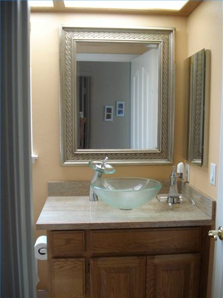 decorating ideas for small powder rooms ehow