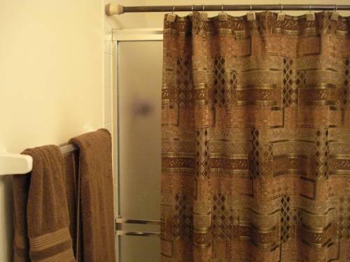 What Size Shower Curtain For A Curved Shower Curtain Rod Ehow