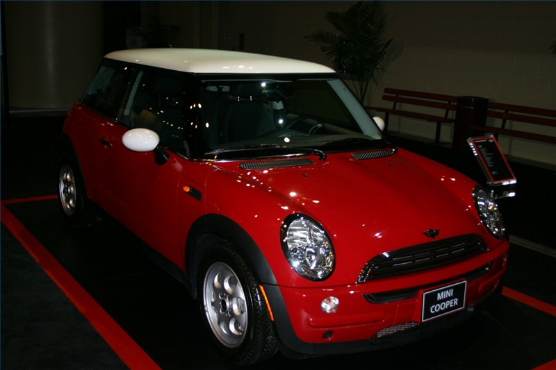when was the first mini cooper made ehow. Black Bedroom Furniture Sets. Home Design Ideas