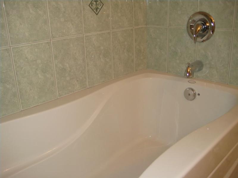 How to refinish an acrylic tub ehow - Make bathroom shine ...