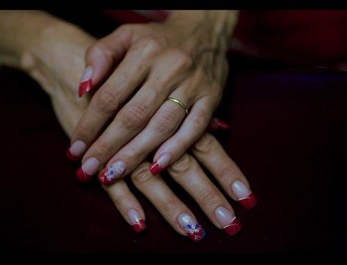 how to make fingernail polish