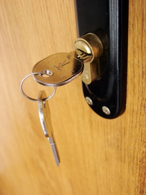 How to change a upvc door lock ehow - Reasons may want switch upvc doors windows ...