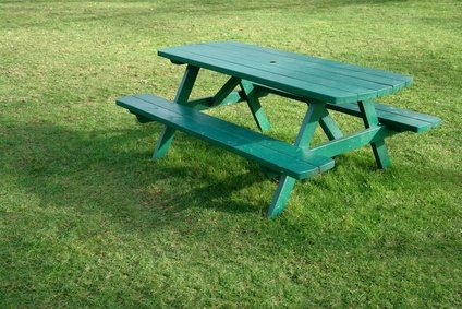 How to build an 8 foot picnic table ehow for Wheelchair accessible picnic table plans
