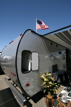 how to buy a used travel trailer gone outdoors your adventure awaits. Black Bedroom Furniture Sets. Home Design Ideas