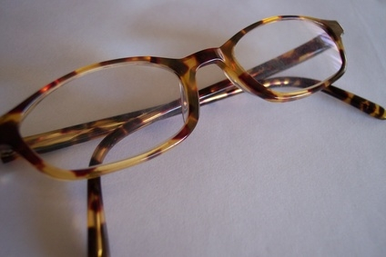 Glasses Frame Repair Christchurch : How to Insert Temple Screws in Spring Hinge Eyeglass ...