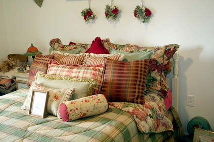 How To Decorate A Spare Bedroom On A Budget Ehow