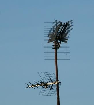 UHF Vs  VHF Antenna | It Still Works