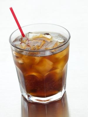 advantages and disadvantages of soft drink The purpose of this report is to analyze the carbonated soft drinks industry and pepsico strategy what comes next is pepsico's competitive advantages, and how it is doing through comparing its competitors such as the coca-cola.