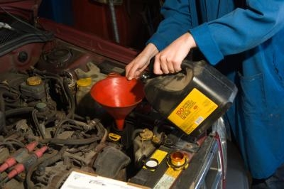 How to Change the Transmission Fluid in a 2004 Elantra | It