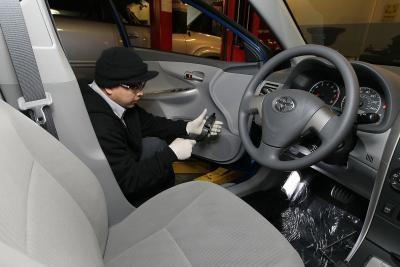 How to Disable a Seatbelt Alarm on a Toyota | It Still Runs