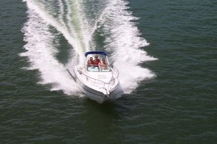 How to Troubleshoot an Evinrude Tilt & Trim