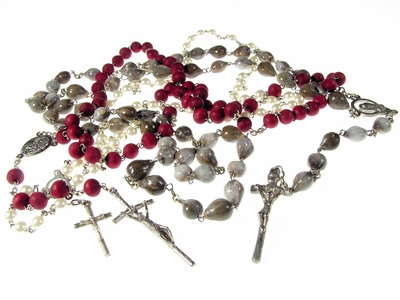 dating rosary beads