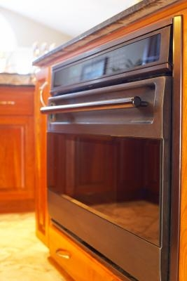 how to fix squeaky hinges on an oven door ehow. Black Bedroom Furniture Sets. Home Design Ideas