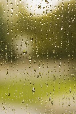 How to take condensation out of windows