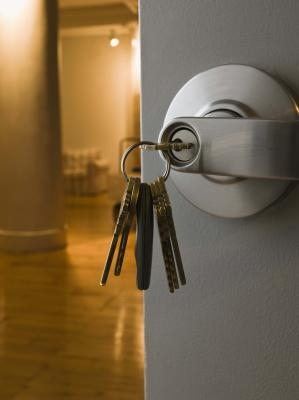how to open a locked door using a paperclip ehow