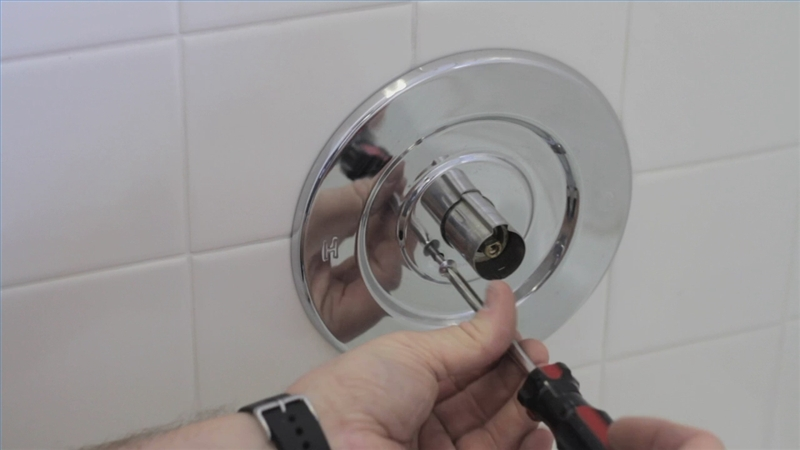 How To Fix A Leaky Bathroom Faucet | How To Fix A Leaky Single Handle Bathtub Faucet Video Tubethevote
