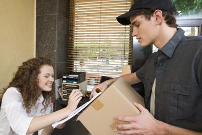 how to become a secretary or receptionist