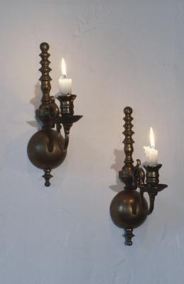 The proper height for bedside wall sconces ehow for Height of sconces