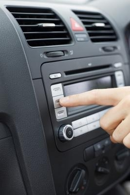 How to Enter the Code Into a Nissan Radio | It Still Runs
