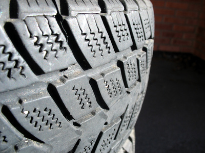 What States Do Not Allow Studded Tires? | It Still Runs