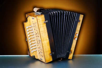 how to play the button accordion for beginners