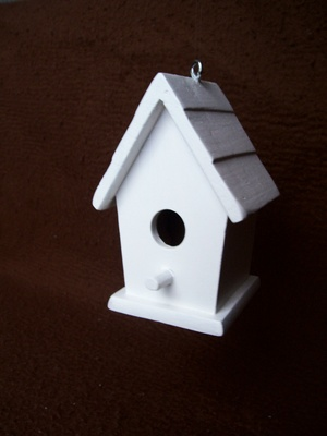How to make a birdhouse from corks ehow for How to build a birdhouse out of wine corks
