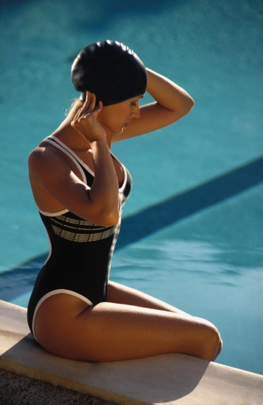 how to put on a swim cap with water