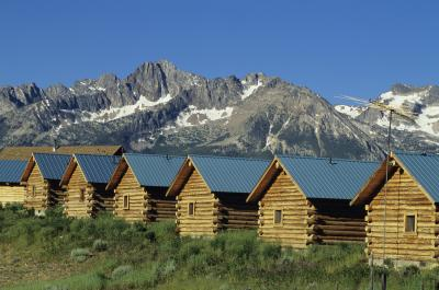 How much does it cost to build a log cabin ehow for How much to build a cottage