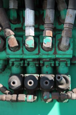 How to Bleed Air From a Yanmar Diesel Fuel System | It Still