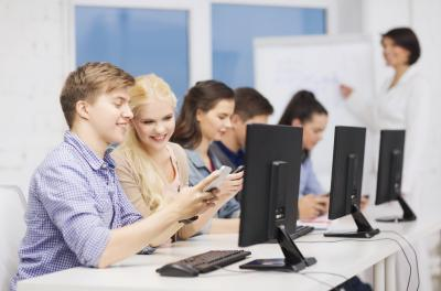 Advantages & Disadvantages of the Internet in Education